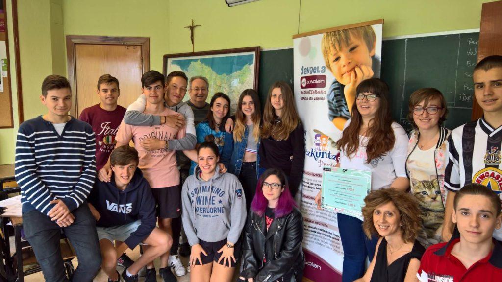 """Diver de 4°ESO gana el 1er premio del concurso """"JAKIBERRI"""""""